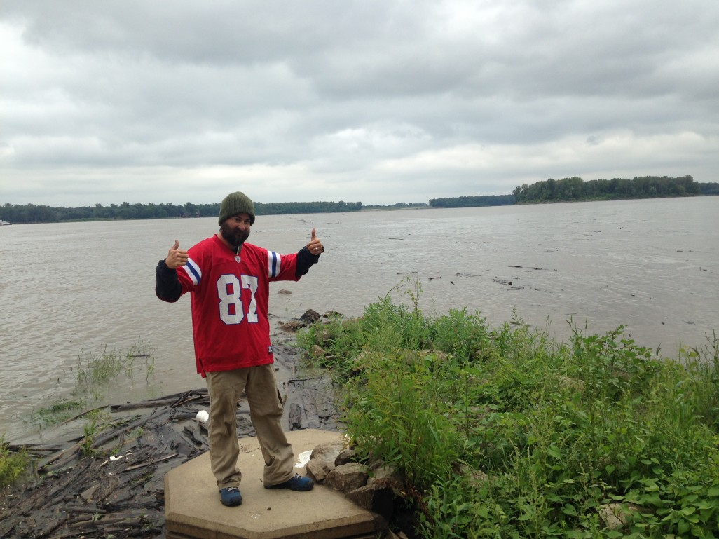 I made it to the Mississippi.  Here I am at the confluence of the MO & MS
